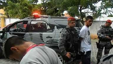 Moradores do Bairro Luciano Cavalcante reclamam de insegurança no local - Grupo assaltou restaurante e fez reféns.