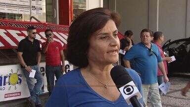 Bancários fazem protesto no centro de Santos - Protesto é mais um movimento realizado pela categoria