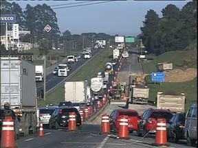 Contornos que foram construídos para desviar tráfego pesado são pontos de congestionament - O Contorne Leste é o pior deles.