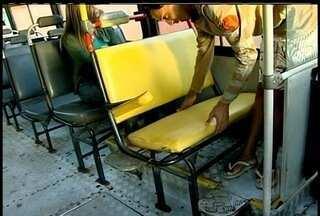 Passageiros estão insatisfeitos com transporte que faz linha Quissamã x Macaé - Bancos quebrados, pane elétrica e mecânica e atrasos são algumas das reclamações.