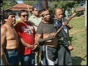 Justiça aceita denúncia contra dois índios por cárcere privado em Avaí, SP - O Tribunal Regional Federal aceitou a denúncia contra dois índios da aldeia de Araribá, em Avaí (SP). Eles são acusados de manter em cárcere privado três funcionários da Fundação Nacional do Índio (Funai).