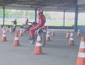 Bombeiros participam de treinamento em moto resgate, em Ji-Paraná - Em maio o atendimento pré-hospitalar deverá ser mais rápido.