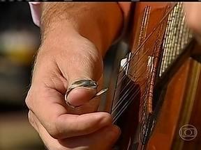 Festival homenageia o compositor Carreirinho - Um festival de música caipira homenageou o compositor Carreirinho em Bofete, no estado de São Paulo. No palco, as duplas capricharam na interpretação.