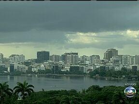 Confira a previsao do tempo para todo o Rio de Janeiro nesta segunda (22) - O tempo deve permanecer parcialmente nublado nas regiões Metropolitana e Serrana. Há a possibilidade de chuvas rápidas em todo o litoral do estado. No Norte e Noroeste o tempo deve ficar nublado, mas sem chuva.