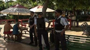Em Fortaleza, policiamento é reforçado na Beira-Mar - Depois de reclamações de assaltos e arrastões, policiais militares estão de olho na praia e no calçadão.