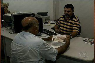 Moradores reclamam de não receber talão de energia há três meses, na região norte de Goiás - Moradores de Uruaçu e Porangatu reclamam por não receber o talão da conta de energia em casa. Eles dizem que o problema acontece há três meses.