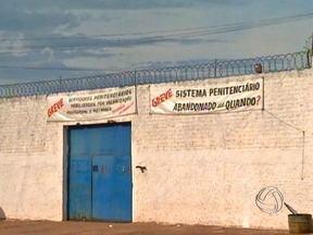 Detentos da cadeia pública de Barra do Bugres fazem motim - Detentos da cadeia pública de Barra do Bugres fizeram um motim na tarde de domingo. Eles se rebelaram porque foram proibidos de receberem visitas pelo segundo domingo consecutivo.