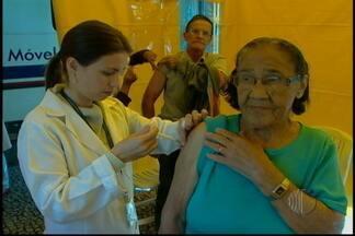 Campanha de vacinação contra gripe imuniza 90 mil em Mogi das Cruzes - Segundo a Secretaria Estadual de Saúde, 90 mil pessoas foram imunizadas em Mogi das Cruzes até agora na Campanha de Vacinação Contra Gripe. A campanha continua até 26 de abril.