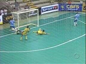 Umuarama é líder da Liga Nacional de Futsal - O time venceu o São José dos Campos (SP) e assumiu a ponta da tabela.