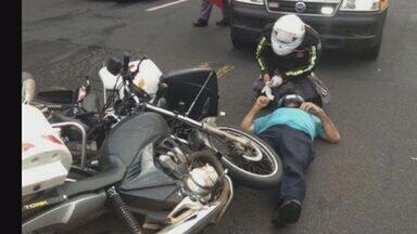 Acidente entre motos deixa dois feridos em Ribeirão Preto, SP - Vítimas foram encaminhadas para a UPA da 13 de maio.