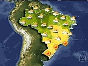 Frente fria chega ao Sul neste fim de semana - No sudeste, a massa de ar seco segue forte no Rio de Janeiro e São Paulo. É esperada para o próximo domingo (28), a chegada de uma frente fria que promete despencar a temperatura na região.