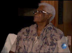 Ialorixá Mãe Stella de Oxóssi é eleita membro da Academia de Letras da Bahia - Mãe Stella ocupará cadeira de numero 33 pertencente ao historiador Ubiratan Castro, morto em janeiro.