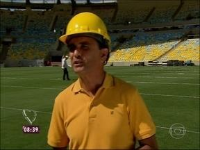 Repórter visita Maracanã e é recebido pelo ex-jogador Bebeto - Craque estava acompanhado do filho Matheus, também jogador de futebol