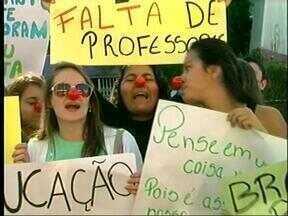 Estudantes da Rede Pública Estadual fazem manifesto em Uruguaiana, RS - Motivo é a falta de professores em algumas escolas da cidade.