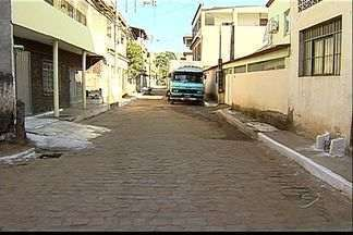 Moradores pedem limpeza de bueiros em bairro de Cariacica, ES - Eles recorreram ao Calendário do ESTV e tiveram uma promessa da prefeitura.