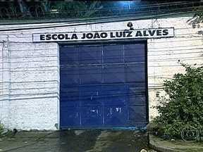 Nove adolescentes fogem de unidade do Degase na Ilha do Governador - Nove adolescentes fugiram da Escola João Luiz Alves, para jovens infratores, na Ilha do Governador. A unidade do Degase abriga meninos de 12 a 18 anos de idade. A informação é de que eles pularam o muro.
