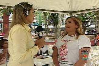 Hemocentro convoca torcedores do Treze e do Campinense para doar sangue - Unidade móvel do Hemocentro está localizada na praça da Bandeira.