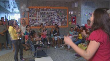 Mães com filhos internados são homenageadas em hospital do Recife - Guerreiras estão convivendo com os filhos no Pronto Socorro Cardiológico de PE.