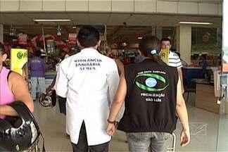 Vigilância sanitária recolhe lotes de leite em pó impróprio para consumo - Fiscalização foi realizada na manhã deste sábado (11) em São Luís