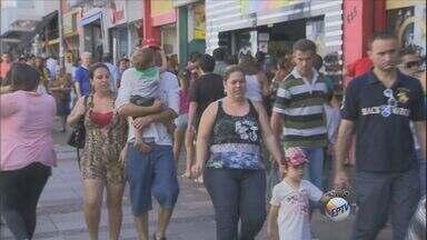 Comércio de rua de Campinas deve receber 130 mil que buscam presentes para o Dia das Mães - O comércio de rua do Centro de Campinas (SP) deve receber cerca de 130 mil pessoas que buscam comprar presentes para o Dia das Mães.