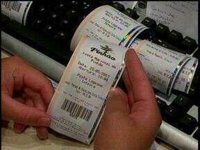 Último dia de venda de ingressos para lageanos para a Festa do Pinhão tem movimento alto - Último dia de venda de ingressos para lageanos para a Festa do Pinhão tem movimento alto