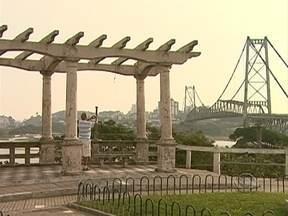 Fechada há mais de 30 anos, expectativa por reabertura da Ponte Hercílio Luz é grande - Fechada há mais de 30 anos, expectativa por reabertura da Ponte Hercílio Luz é grande.
