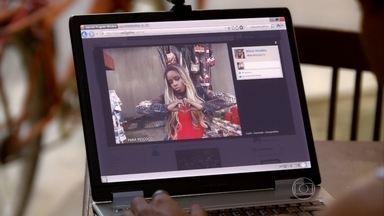 Vanúbia manda recado para Pescoço pela internet - Ela posta fotos da Turquia nas redes sociais e Lurdinha se enfurece com a provocação
