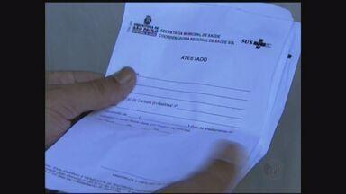 Polícia prende cinco suspeitos de falsificar atestados médicos em São Paulo, SP - Quatro foram autuados por falsificação de documentos e formação de quadrilha.