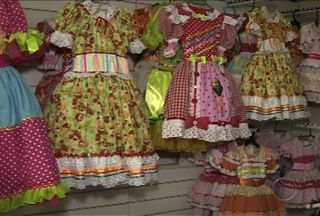 Festejos juninos são muito esperados pelos empresários de Sergipe - A pouco mais de um mês do início dos festejos juninos, os empresários que negociam com artigos típicos da época tem a expectativa de um aumento de 20% nas vendas, em relação ao ano passado.