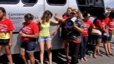 Polícia deve abrir inquérito para apurar ação de mulheres de policiais militares - Mulheres tentaram impedir que policiais saíssem para realizar a segurança de Clássico-Rei no domigo passado.