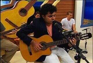 Confira o talento do cantor Lucas Brandão no Meu MS - Lucas Brandão é um músico de Campo Grande e que estuda no conceituado Conservatório Brasileiro de Música no Rio de Janeiro. Conheça agora um pouco sobre a história desse artista.