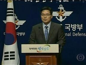 Coreia do Norte lança três mísseis guiados de curto alcance - Os mísseis caíram no mar do Japão. A informação é do Ministério da Defesa da Coreia do Sul. As forças armadas sul-coreanas reforçaram a vigilância.