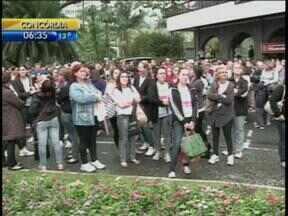 Servidores de Blumenau entram em estado de greve após assembleia - Reunião ocorreu nesta quarta-feira.