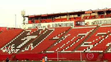 Atlético-MG treina em campo onde enfrentará Tijuana nesta quinta-feira - O campo de grama sintética deixa a bola mais rápida e o treinamento ajuda a deixar o time mais preparado para a disputa.