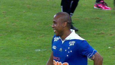Dedé estreia no Cruzeiro e time vence de goleada o Resende - O Cruzeiro enfrentará o Atlético Goianiense na terceira fase da Copa do Brasil.