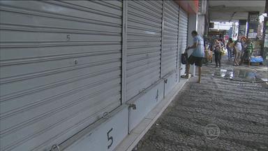 Comerciantes da rua do Hospício estão assustados com a onda de arrombamentos - Comerciantes falam que crimes são comuns na área. Na madrugada desta quinta (23), Lojas Americanas foi assaltada.