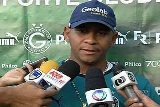 Goleada de 5 a 0 para o Cruzeiro ainda repercute no Goiás - Depois da pior estreia na Série A em toda a sua história, Esmeraldino quer tirar lições do placar adverso que teve na primeira rodada do Brasileirão.