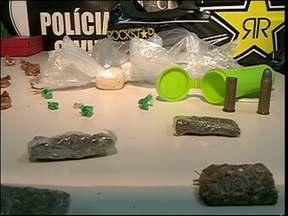 Menor de 16 anos é apreendido em Blumenau com cocaína, maconha e crack - A Polícia apreendeu nesta terça-feira um menor de idade de 16 anos que estava com grande quantidade de drogas.