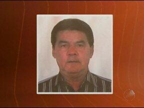 Corpo do suplente do vereador assassinado em Barrocas é enterrado - Ele foi morto por dois homens que invadiram a casa do ex-prefeito da cidade durante um jantar.