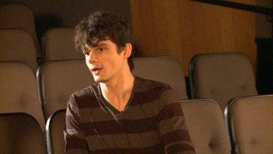 Em 'Família', atores também são criadores - Eles não tiveram que decorar falas, mas improvisar a partir de uma história proposta pelo diretor.