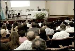 Produtores participam de seminário que discute prazo para certificação de imóveis rurais - Produtores participam de seminário que discute prazo para certificação de imóveis rurais.