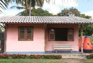 Arquiteto constrói casas de bambu em Sergipe - Arquiteto constrói casas ecológicamente corretas com bambu.