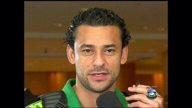 Fred comenta a partida que reinaugurou o Maracanã - Jogador diz que Seleção fez o seu melhor no jogo de ontem