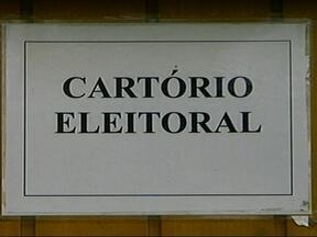 Quase 1.500 eleitores de Uruguaiana e Barra do Quaraí, RS, tiveram título cancelado - Prazo para regularizar a situação com a justiça eleitoral vai até o próximo mês.