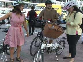 Projeto ensina e orienta pessoas que querem usar bike como transporte - O projeto começou em São Paulo, mas já conquistou 80 cidades brasileiras com mais de 700 voluntários.