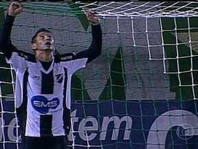 Chapecoense goleia o ABC-RN de 5 a 1 e lidera o Brasileirão Série B - Confira os gols desta sexta (08) pela Série B do Campeonato Brasileiro.