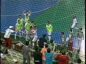 Torcida vibra com vitória de virada do Maringá contra o Jaraguá pela Liga de Futsal - Neste domingo o Maringá joga em casa contra o Joinville