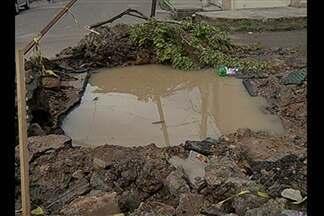 Moradores da Condor, em Belém, enfrentam transtornos com uma cratera na rua - Moradores da Condor, em Belém, enfrentam transtornos com uma cratera na rua.
