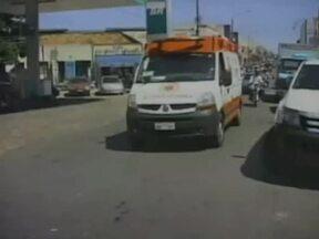 Motoristas não dão passagem a veículos de emergência no Piauí - Motoristas desrespeitam lei e não dão passagem a veículos de emergência no Piauí