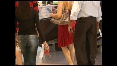 Saia para homem: será que essa moda pega no Sul do Rio? - A peça, típica do guarda-roupa feminino, vai passar a frequentar o dos homens, como no passado.